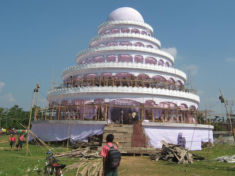 Photogallery of durga puja in agartala 2008 tripura tripura4u photo gallery of unfinished pandals thecheapjerseys Image collections
